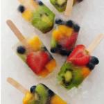 Polo de frutas naturales.
